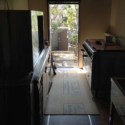 キッチン搬入2