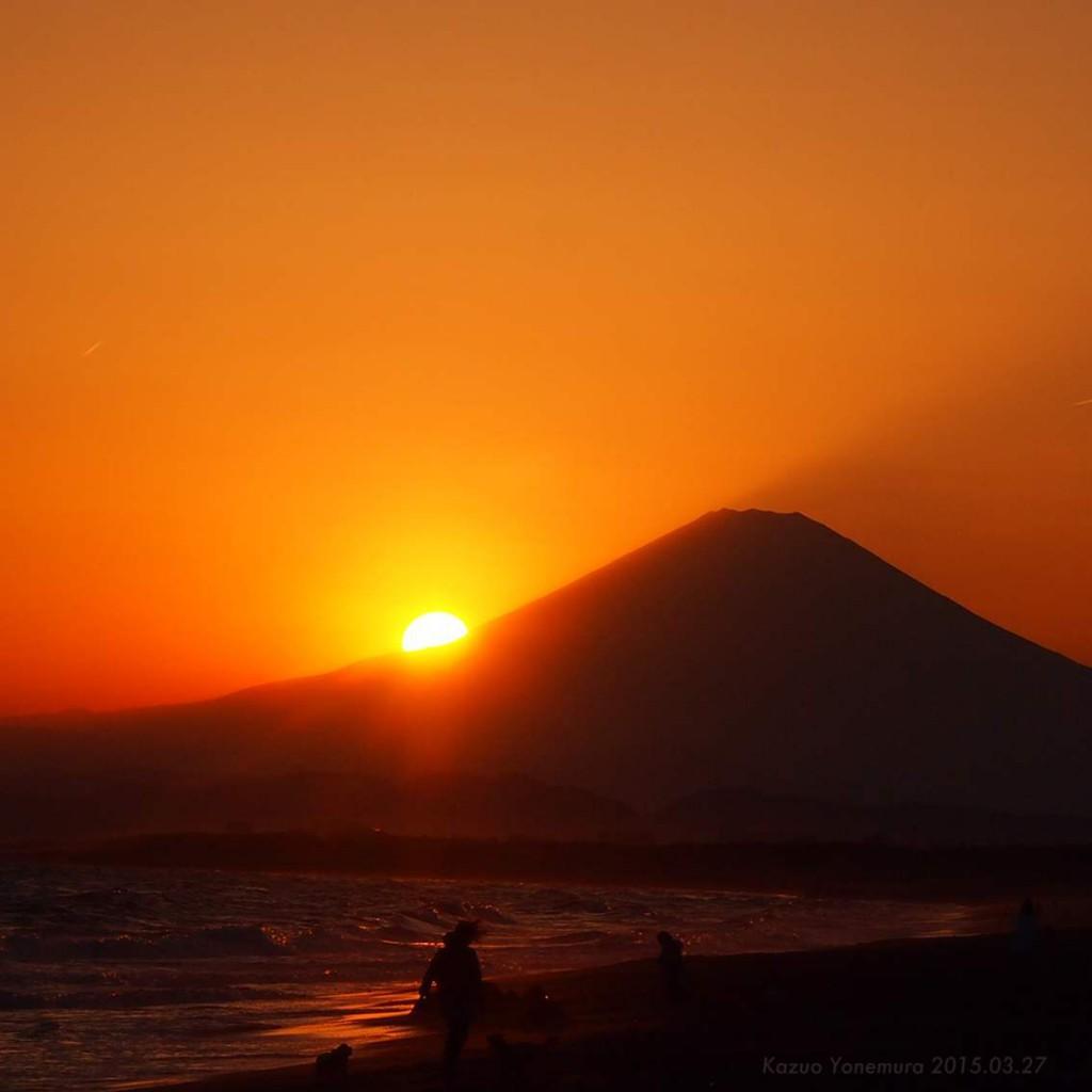 湘南鵠沼海岸のダイヤモンド富士直前の写真2015.03.27